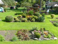 Loučná nad Desnou - okrasná zahrada v centru obce