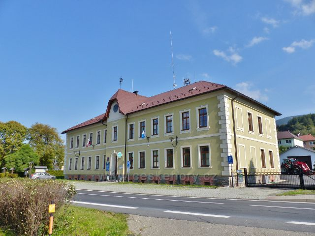 Loučná nad Desnou - budova Obecního úřadu
