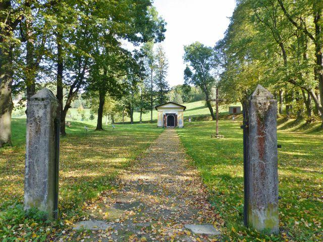 Loučná nad Desnou - Starý hřbitov se hřbitovní kaplí