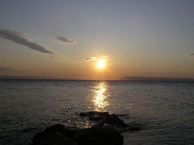 pláž v Podgore na Makarskej riviére