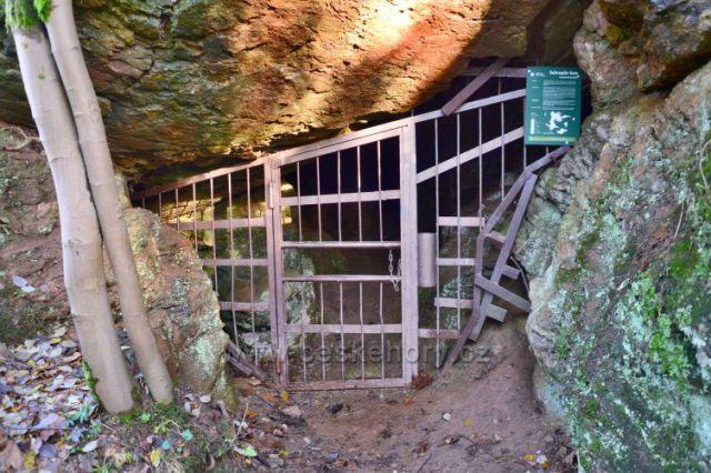 Loupežnická jeskyně