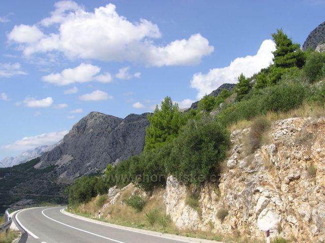 pohorie Biokovo nad Makarskou riviérou