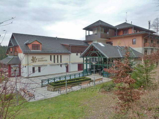 Hotel Studánka ve stejnojmenném letovisku