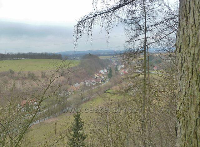 Rychnov nad Kněžnou - pohled z vyhlídky u hotelu Panorama na Městskou Hrabovou