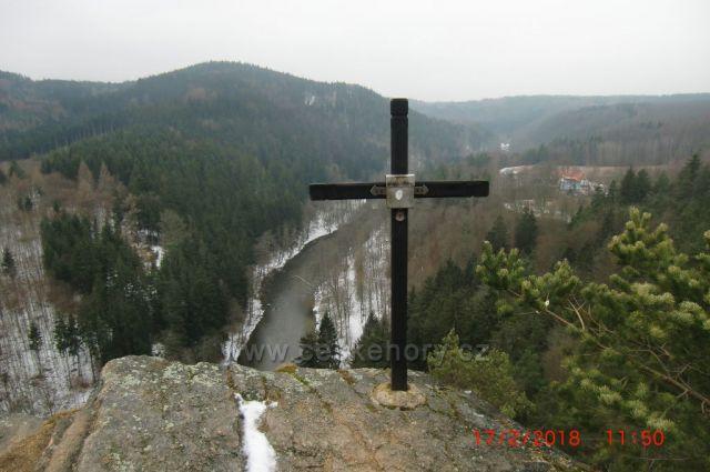 Jeskynní vyhlídka na Ohři