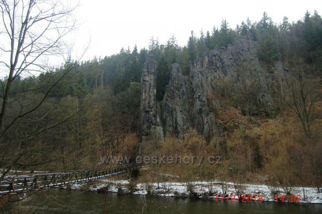 Ohře ve Svatošských skalách