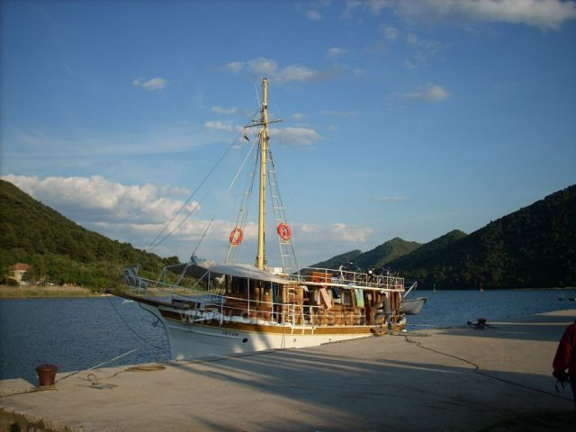 Loď Istok v přístavu