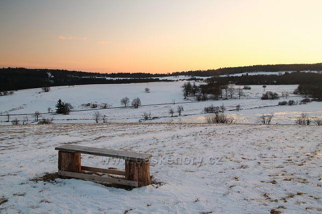 Výhled do Čech s lavičkou