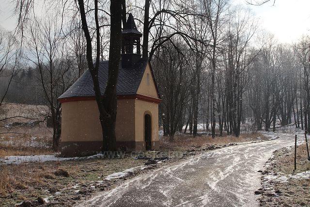Kaplička u Krásného Lesa