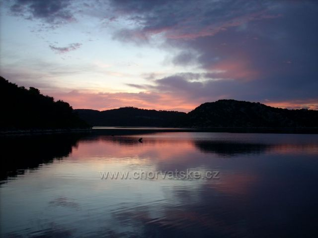 Západ slunce na ostrově Mlijet