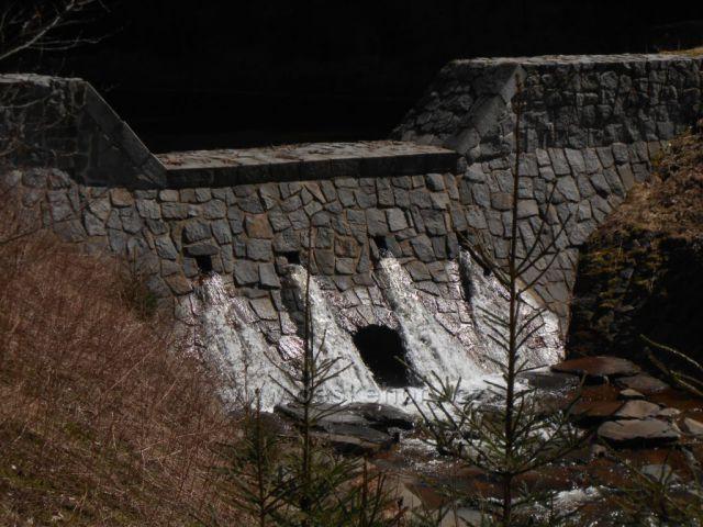 část kaskády na Cínoveckém potoce