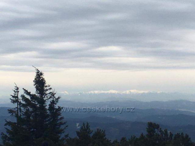 Pohled z Lyse hory na slovensko