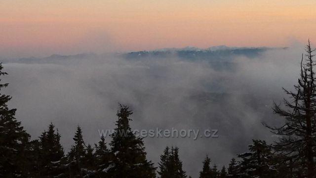 Zapad slunce na Lyse hore na Slovensko
