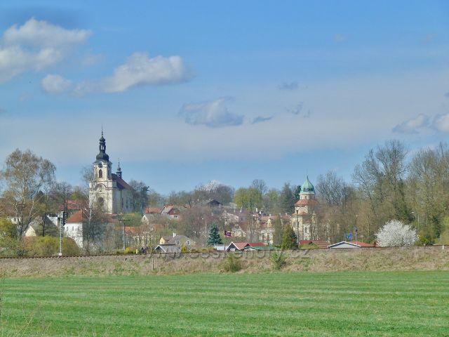 Častolovice - kostel sv.Víta a zámek