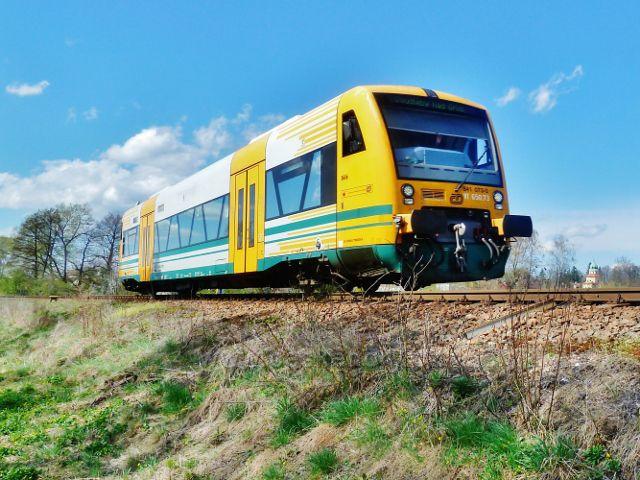 Častolovice - vlaková souprava na trati do Kostelce nad Orlicí