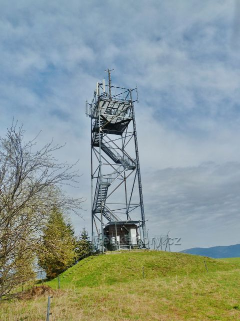 Dolní Hedeč - 34,5 metru vysoká rozhledna Val je volně přístupná