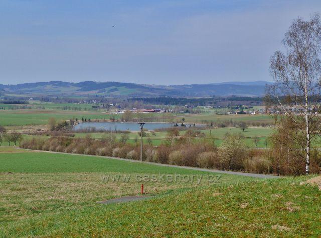 Králíky - pohled od vodárny ke Králickému rybníku