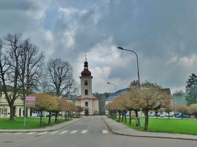 Rokytnice v O.h. - kostel Všech Svatých na náměstí T.G.Masaryka