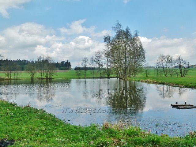 Kunvald - Kunvaldský rybník v údolí Rokytenky