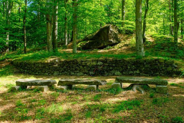 Lesní divadlo pod Poustevníkovou vyhlídkou