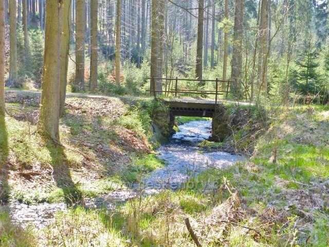 Mostek přes Březnou na\ jejím horním toku