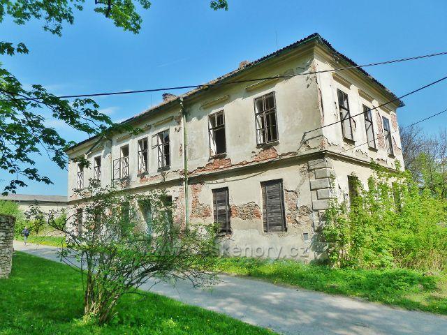 Podlesí - budova bývalé školy