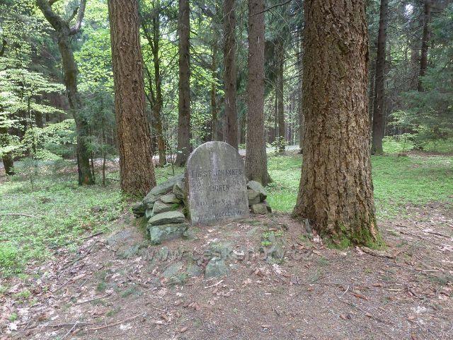 Podlesí - Lichtenštejnský památník u Svaté Trojice