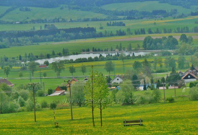 Králíky - pohled z úpatí  Mariánské Hory na Králický rybník