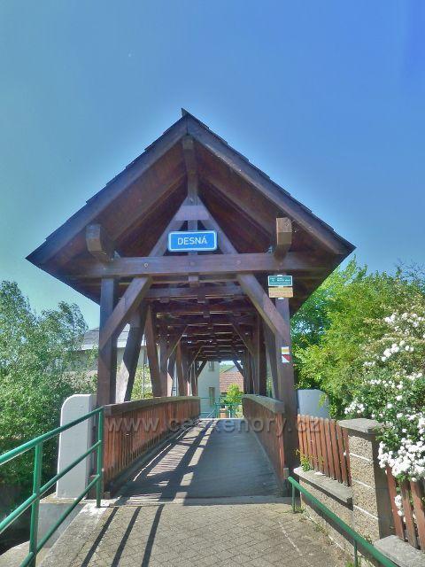 Vikýřovice - krytý dřevěný mostek přes Desnou