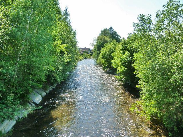 Vikýřovice - regulovaný tok Desné