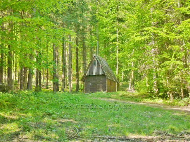 Česká Ves - lovecká chatka nad Lubinou
