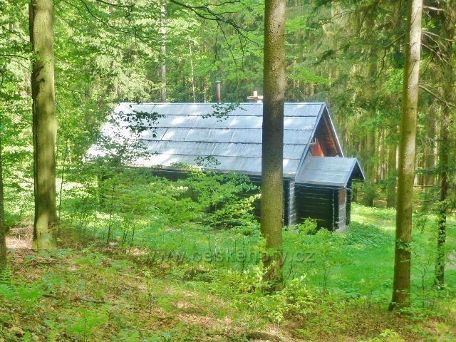 Česká Ves - lovecká chata pod cestou k Lesnímu domovu