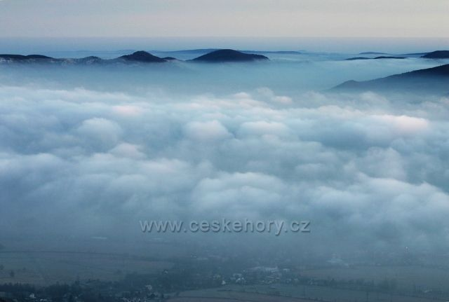 ráno nad oblaky