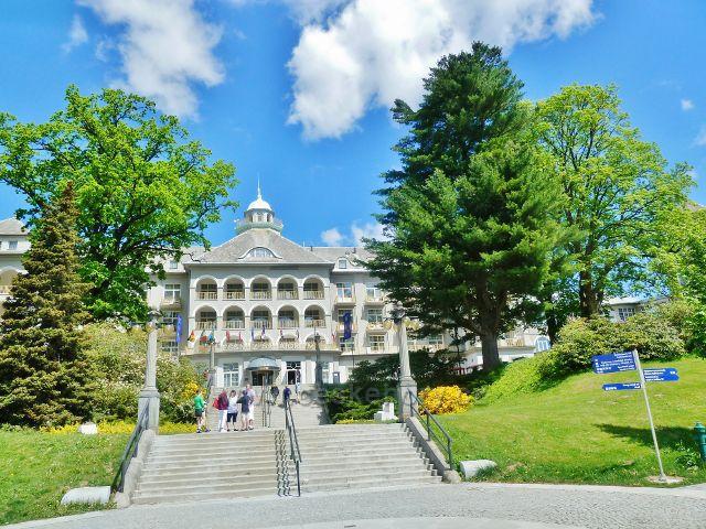 Lázně Jeseník - střední trakt Priessnitzovo sanatoria
