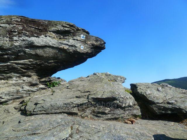 Skalní útvar a výhledové místo Tři kameny