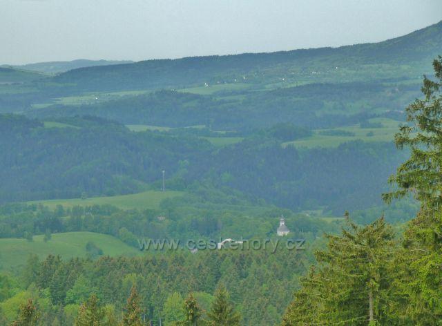 Pohled z úbočí Uháče k Hanušovické vrchovině