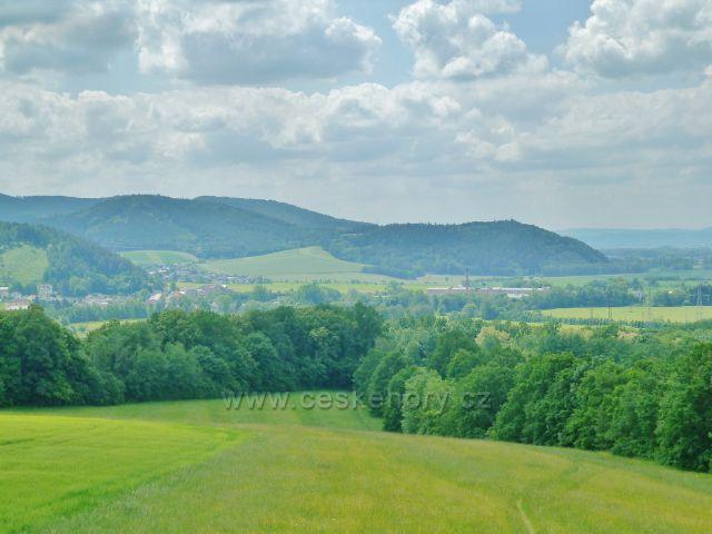 Bludov - pohled z rozhledny Brusná k Zábřežské vrchovině