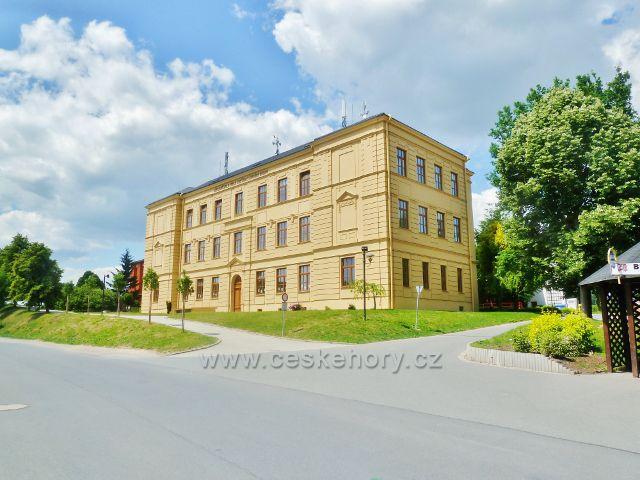 Bludov - budova základní školy Adolfa Kašpara