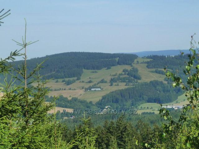 Mladkov - pohled k vrchu Adam (765 m.n.m.)nad Mladkovem