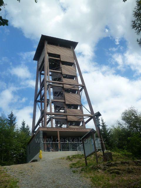Rapotín - rozhledna Bukovka byla postavena v letech 2015 až 2016 a na její vyhlídkovou plošinu vede celkem 111 schodů