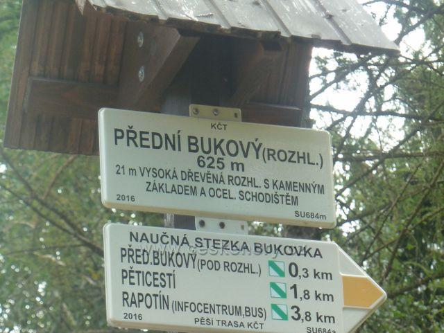 """Rapotín - Bukovka, turistický rozcestník """"Přední Bukový (rozhl.), 625 m.n.m."""""""