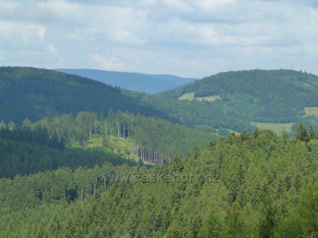 Rapotín - pohled z rozhledny Bukovka k Hanušovické vrchovině