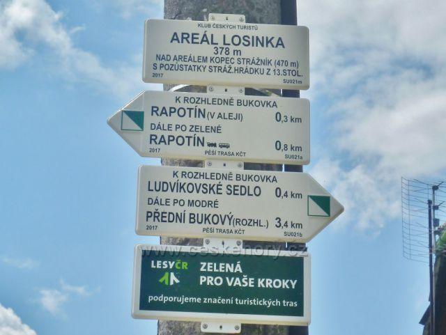"Rapotín - turistický rozcestník ""Areál Losínka, 378 m.n.m."""