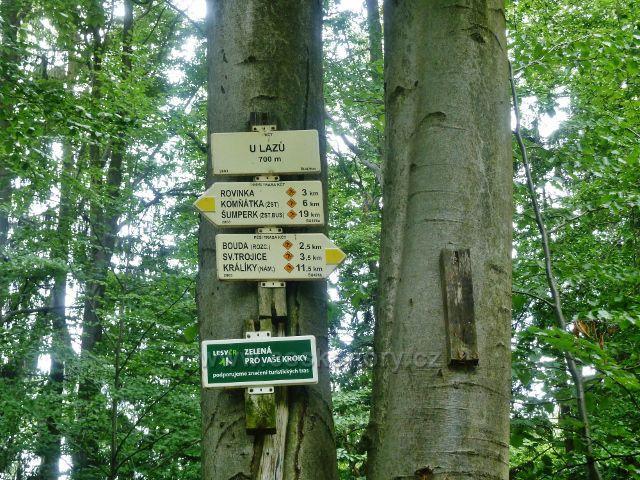 """Bohdíkov - turistický rozcestník """" U Lazů, 700 m.n.m."""""""