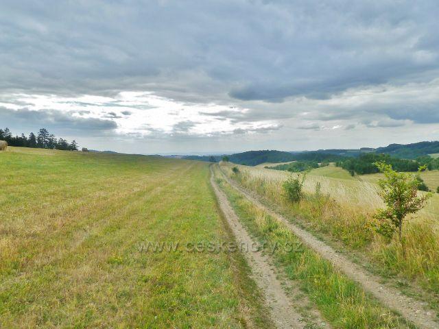 Bohdíkov - cesta po žluté TZ t.zv. Rovinkou nad Štědrákovo Lhotou