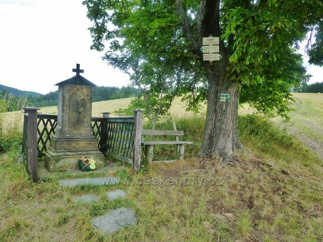 """Bohdíkov - turistický rozcestník """"Rovinka, 565 m.n.m."""""""