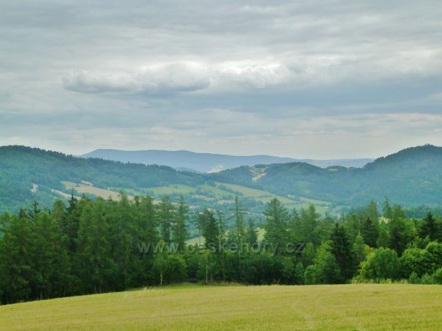 Bohdíkov - pohled z rozhledového místa Rovinka k Hanušovické vrchovině