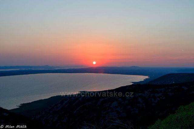 Zalazak sunca Vransko jezero
