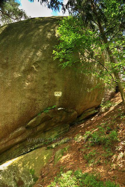 Přírodní hraniční kámen