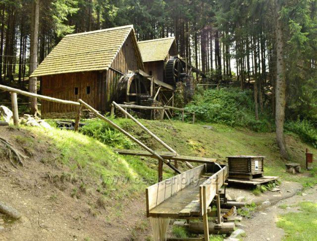 Zlatorudné mlýny u Zlatých Hor.